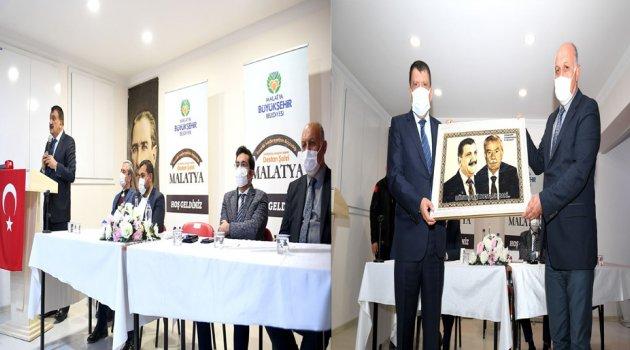 Başkan Gürkan, Doğanşehir'de Muhtarlarla Bir Araya Geldi