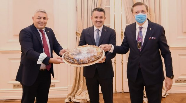 Başkan Sadıkoğlu, Tarım Bakanı İle Bir Araya Geldi