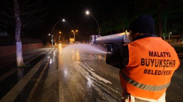 Büyükşehir Belediyesi Temizlik Çalışmaları Aralıksız Devam Ediyor