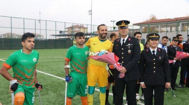 Jandarma'dan Ampute Futbolculara Anlamlı Ziyaret