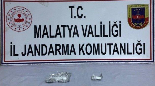 Malatya'da Aranan Bir şahıs uyuşturucu ile yakalandı