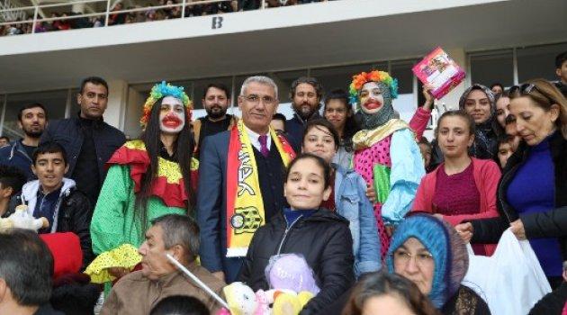 Özel Çocuklara Battalgazi Belediyesi'nden Oyuncak Süprizi
