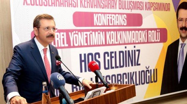 """TOBB Başkanı Hisarcıklıoğlu, """"Yerel Yönetimlerin Ekonomik Kalkınmadaki Rolü' Konulu Konferans Verdi"""