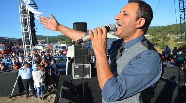Rafet El Roman, bin 400 rakımda hayranlarını coşturdu