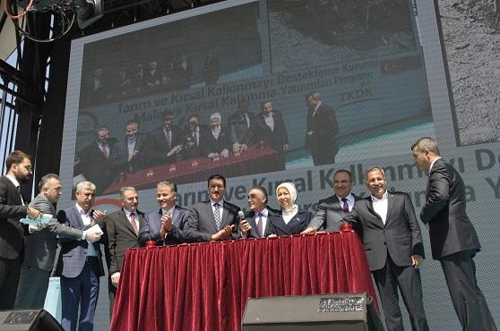 Bakanlar, Temel Atam Törenine Katıldılar.