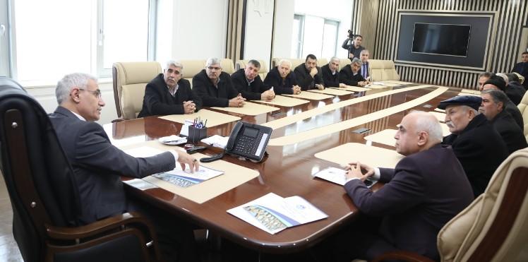 Başkan Güder, Depremden Zarar Gören Mahallelerin Muhtarlarını Dinledi