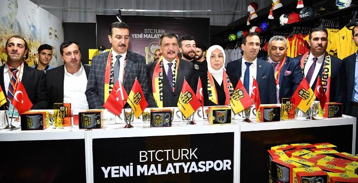 Başkan Gürkan, Malatya Tanıtım Günlerinde Stantları Gezdi