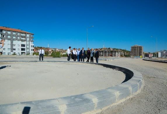 Başkan Gürkan, Yeni Yol ve Kavşak Düzenleme Çalışmalarını Yerinde İnceledi