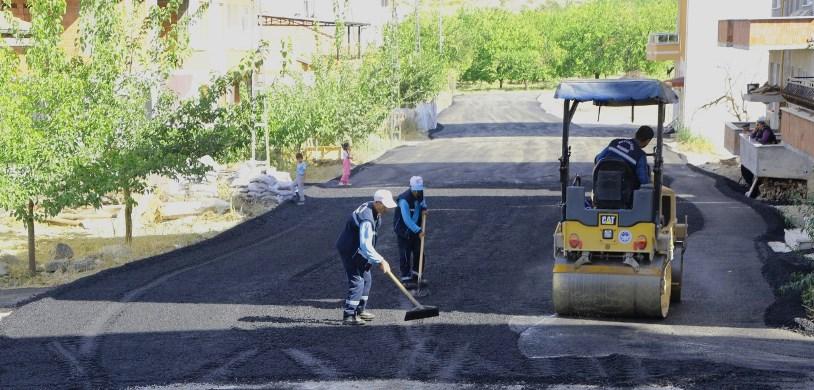Battalgazi Belediyesi, Asfalt Çalışmalarını Aralıksız Sürdürüyor